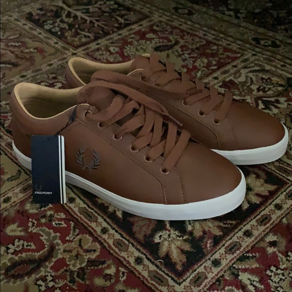 Fred Perry Baseline Leather Trainers In
